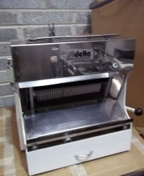 Record Delta Bread Slicer